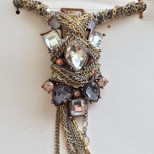 — BR — STUNNING Knotted Jeweled Statement Necklace